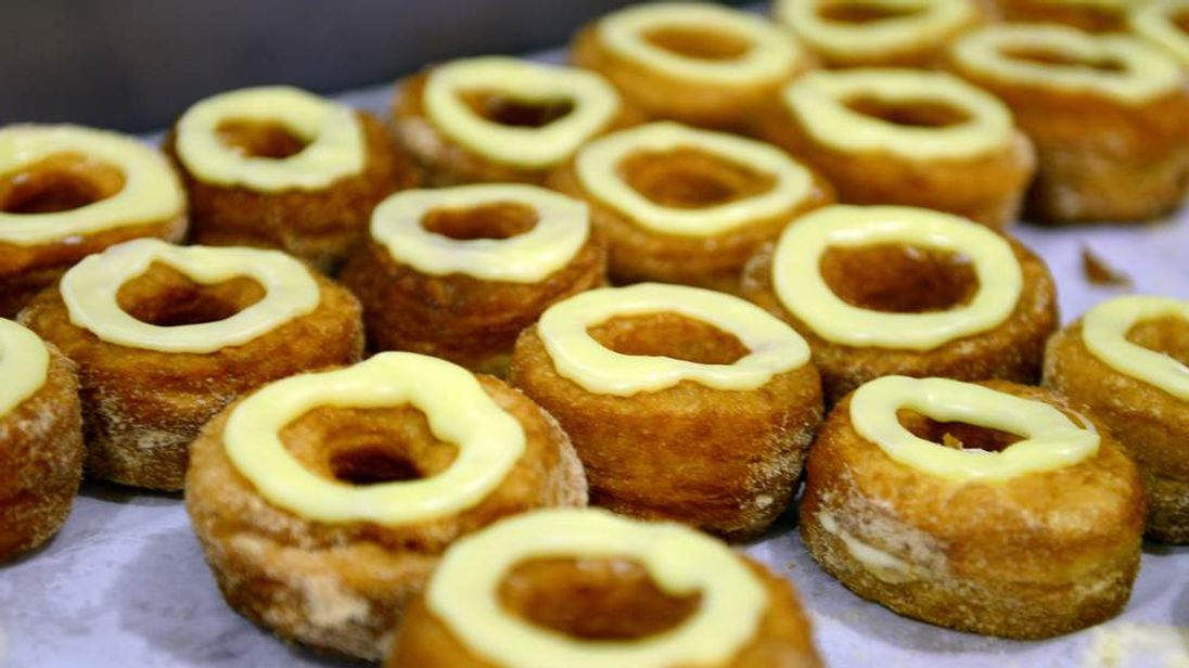 US-FRANCE-GASTRONOMY-PASTRY-CRONUTS