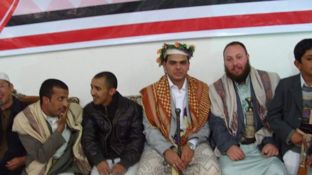 Steven Sotloff (2nd from right)