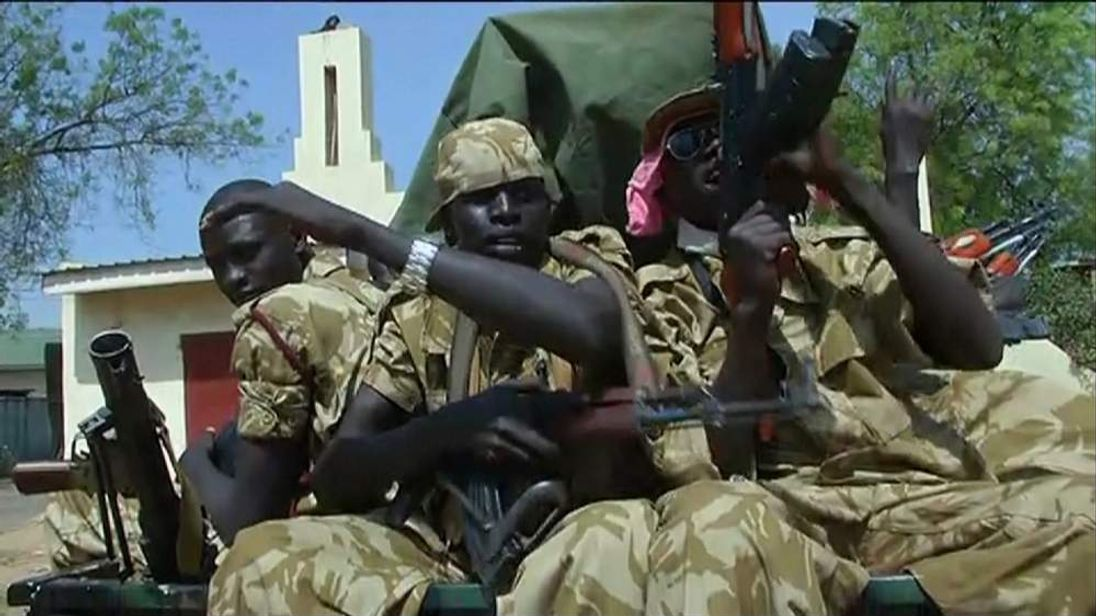 South Sudan fighters