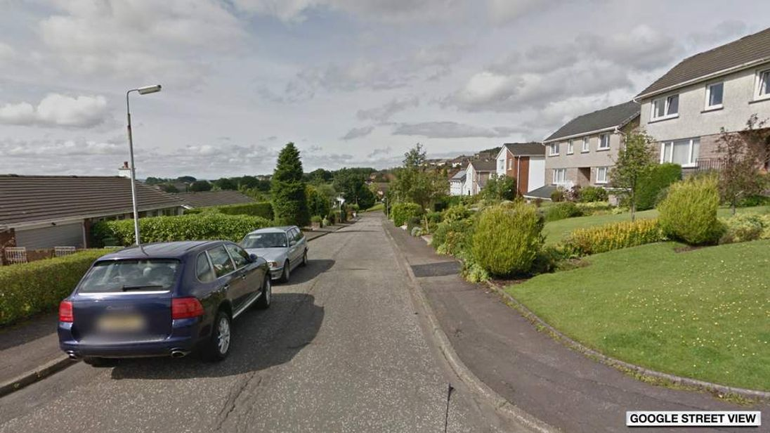 Google Street View images of Fintry Gardens in Bearsden, Dumbartonshire