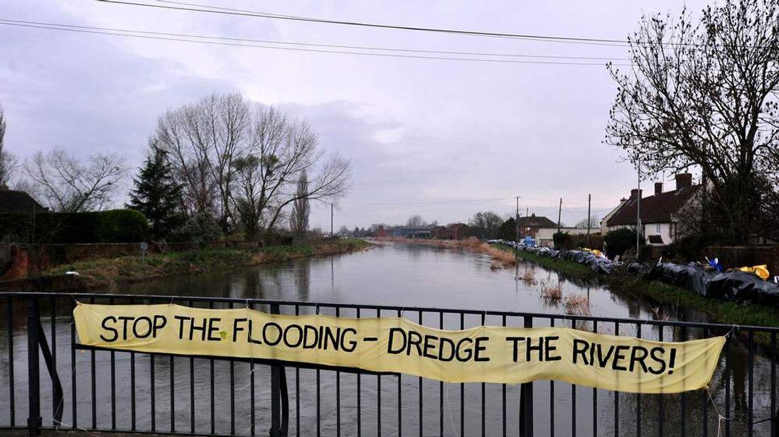 BRITAIN-WEATHER-FLOODS