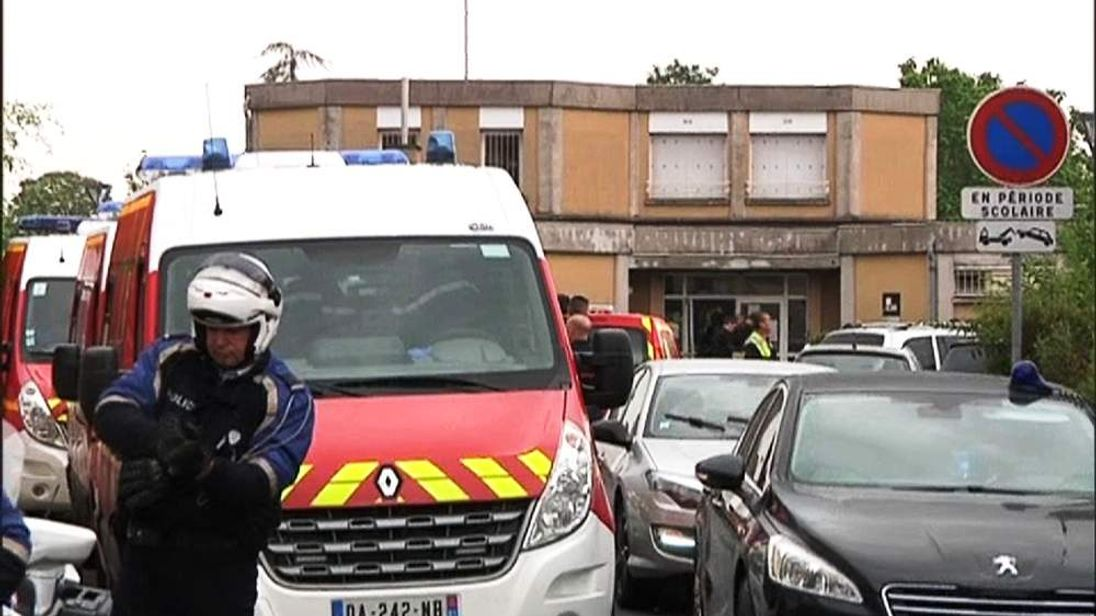 French police outside the school