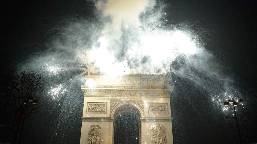 New Year 2014 Celebration In Paris