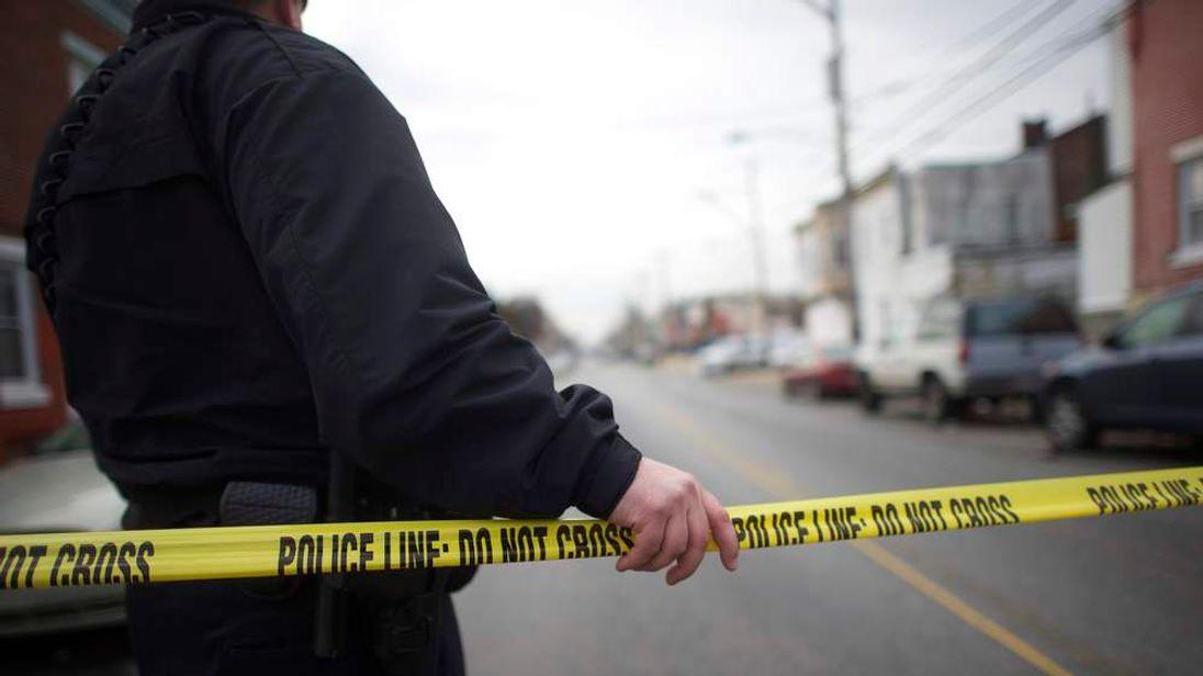 Philadelphia Police Office Ambushed And Shot At Close Range 1