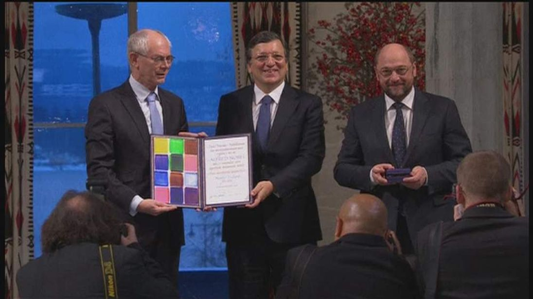 Representatives of the EU receive the Nobel peace prize