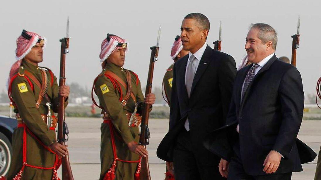 Jordan foreign minister greets Barack Obama
