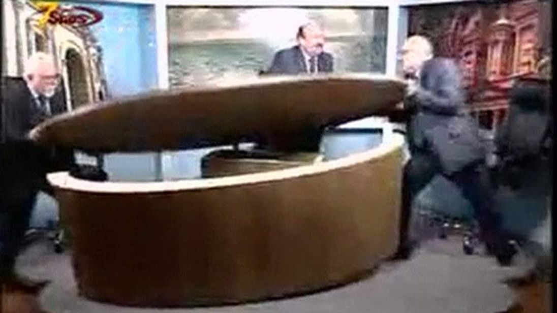 Two Jordanian journalists get into a fight on television