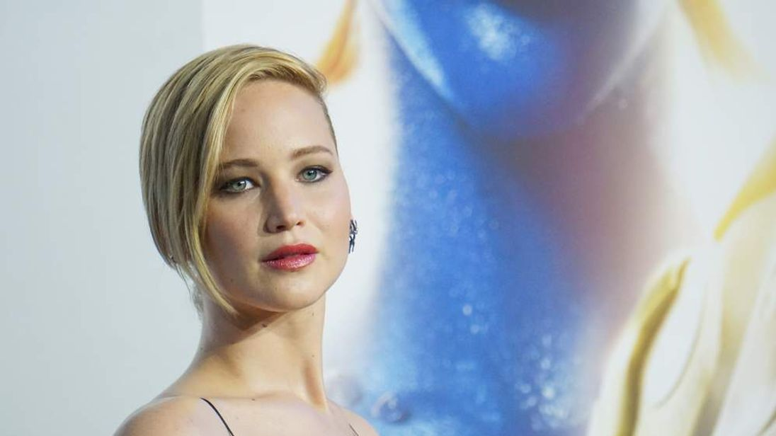 """Actress Jennifer Lawrence attends the """"X-Men: Days Of Future Past"""" world premiere"""