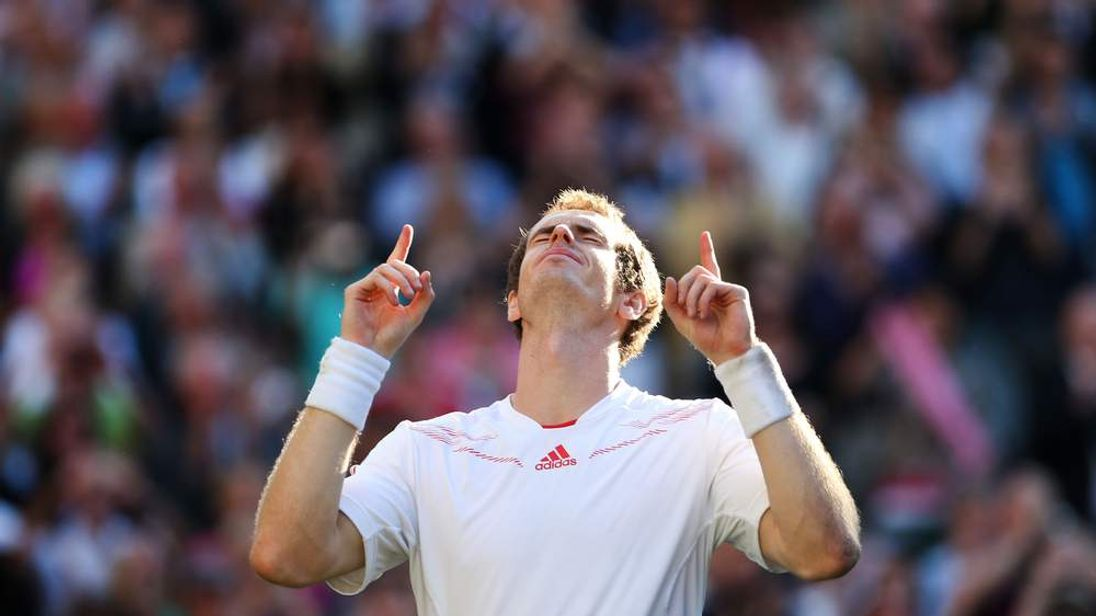 Andy Murray beats Jo-Wilfried Tsonga in Wimbledon semi-finals