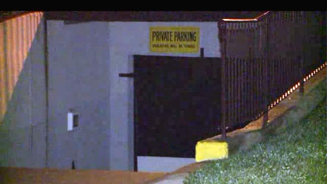 010813 Man crushed to death in trash compactor (Pic: WGN9 News)
