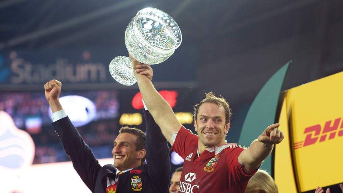 British and Irish Lions captains Sam Warburton (L) and Alun Wyn Jones (R)