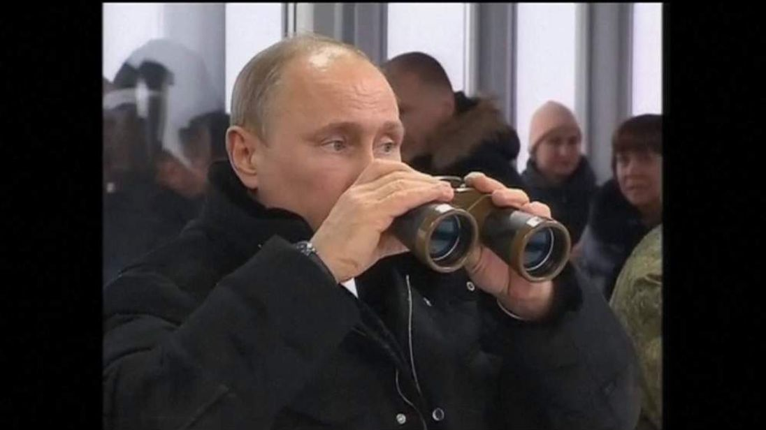 Russian president attends a military exercise