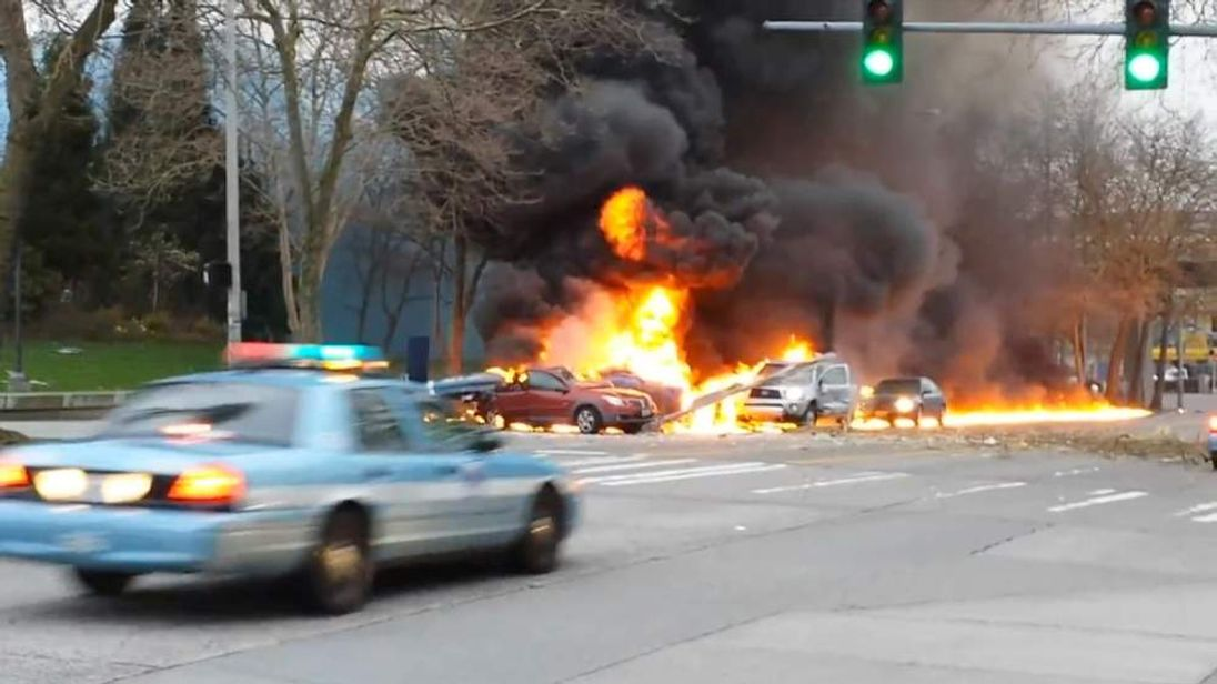 KOMO-TV Helicopter crash in Seattle Pic: Alex McBurney