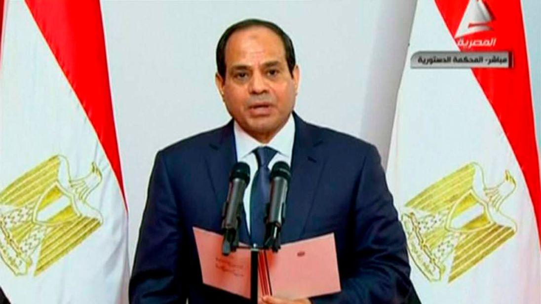 Abdel Fattah al-Sisi takes the oath of office