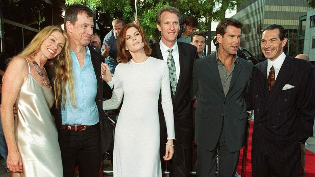 Director John McTiernan with the cast of The Thomas Crown Affair