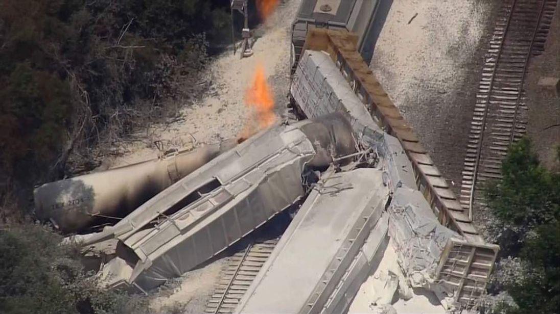 Trains crash in Arkansas