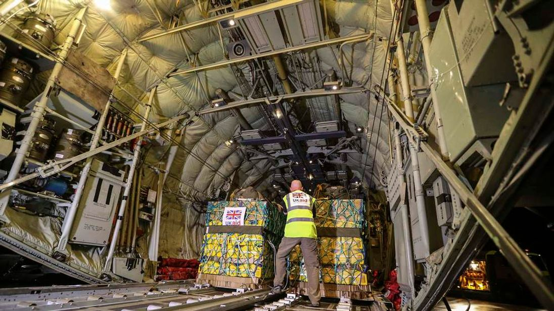 Humanitarian aid being loaded onto a RAF Hercules C130 at RAF Brize Norton for Iraq