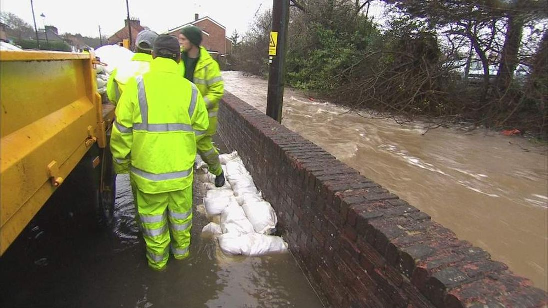 Sandbags being placed in Wallington, which is being evacuated because of flooding risk
