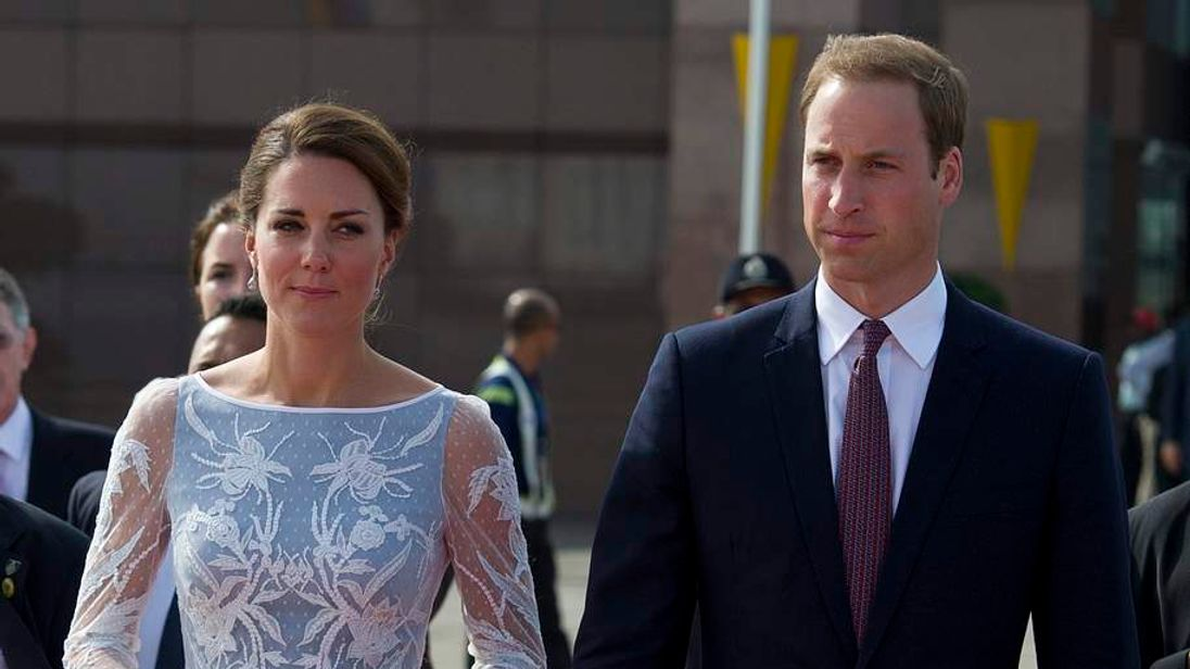 Duke and Duchess of Cambridge depart Kuala Lumpur airport