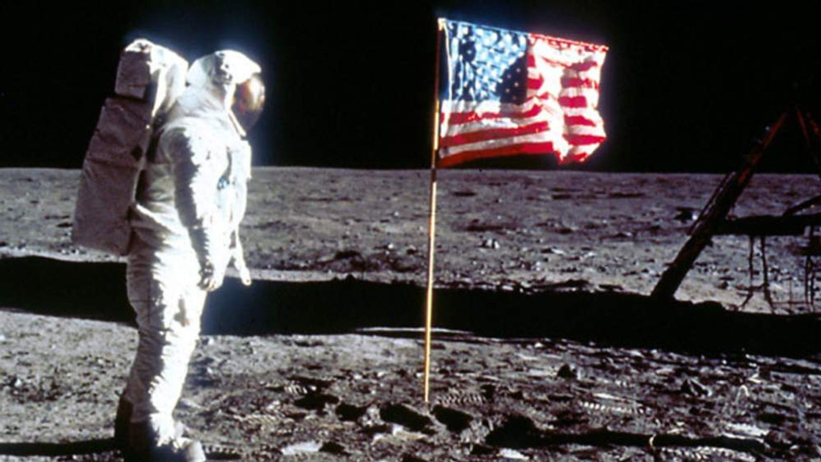 the controversy of landing on the moon by the soviet union and america