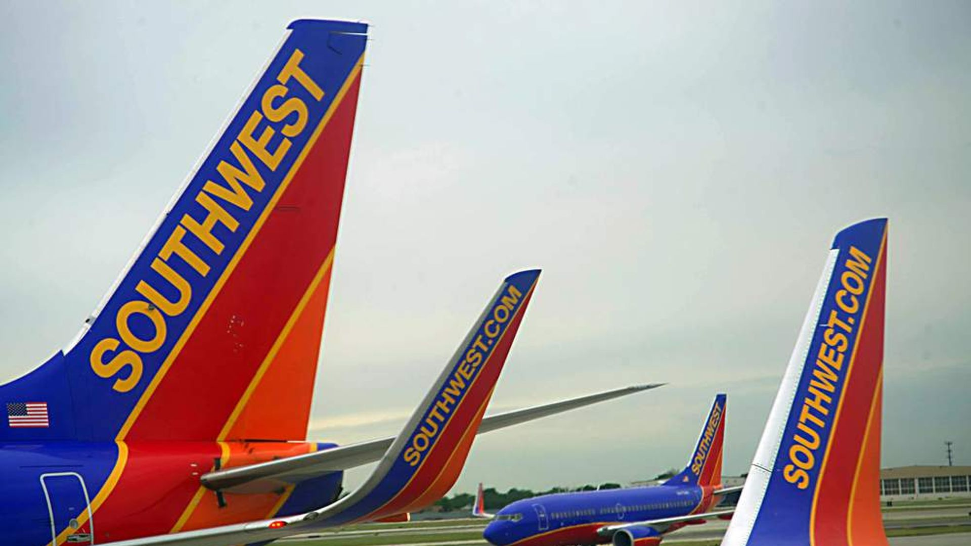 a company overview of southwest airlines American airlines group inc company profile from hoover's – get an in-depth analysis of american airlines group inc business.