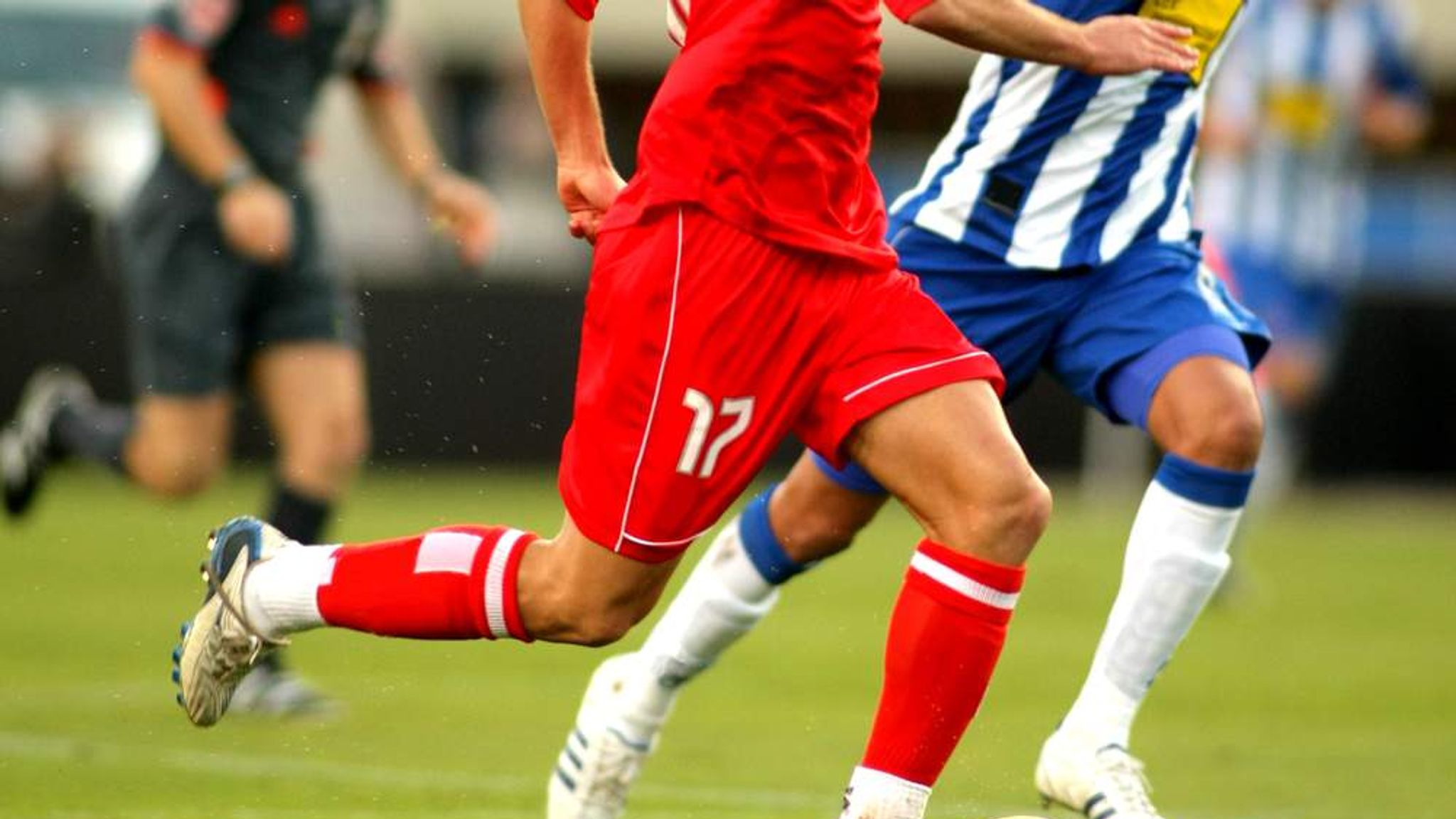football match descriptive We know many kinds of games the game of football is one of them it was first played in the western countries now, it is played all over the world related articles: how to write an essay on football match.