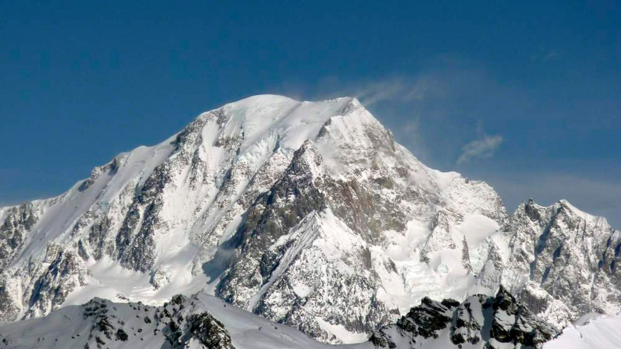 British Climber Dies In Mont Blanc Fall Uk News Sky News