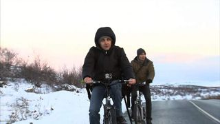 Increasing numbers of migrants are biking their way from Russia to Norway