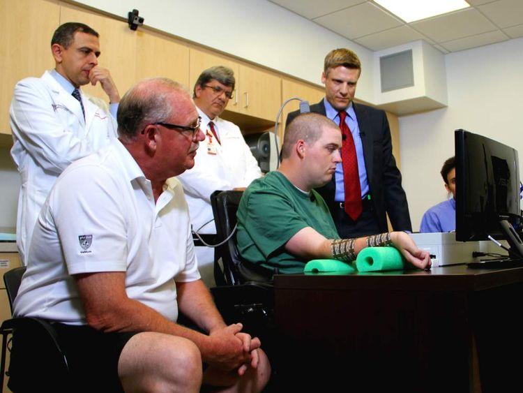 US Microchip Helps Paralysed Ian Burkhart Move Hand