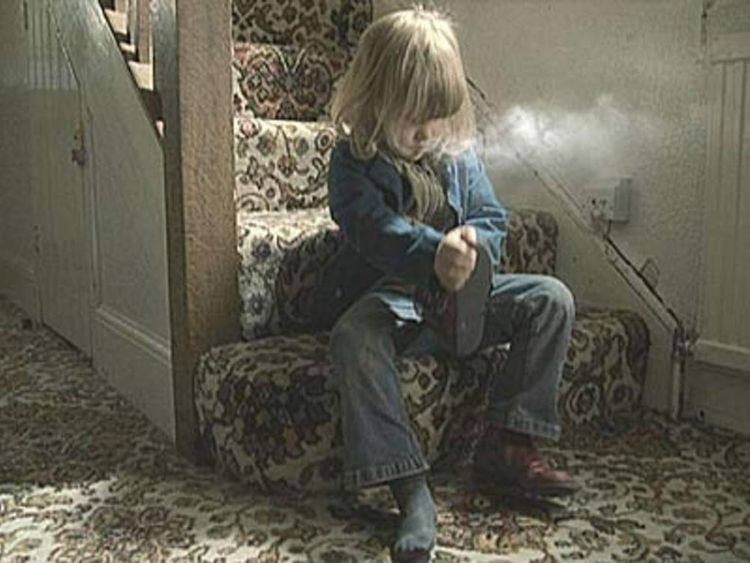 pg girl inhalingsmoke NHS Smoking Helpline advert
