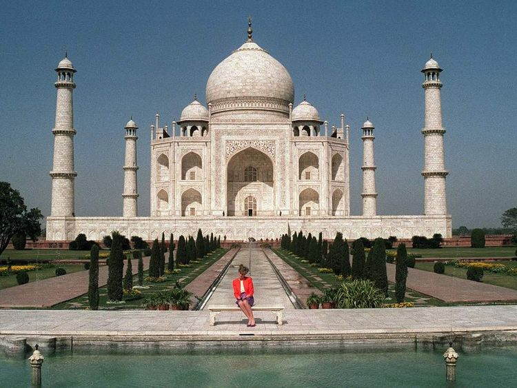 Princess Diana of Wales poses for pictures at the 17th century Taj Mahal