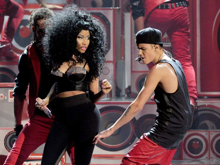 Nicki Minaj and Justin Bieber perform together at the American Music Awards 2012