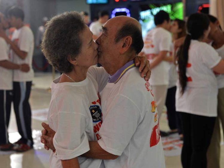 THAILAND-SOCIETY-VALENTINE-KISS
