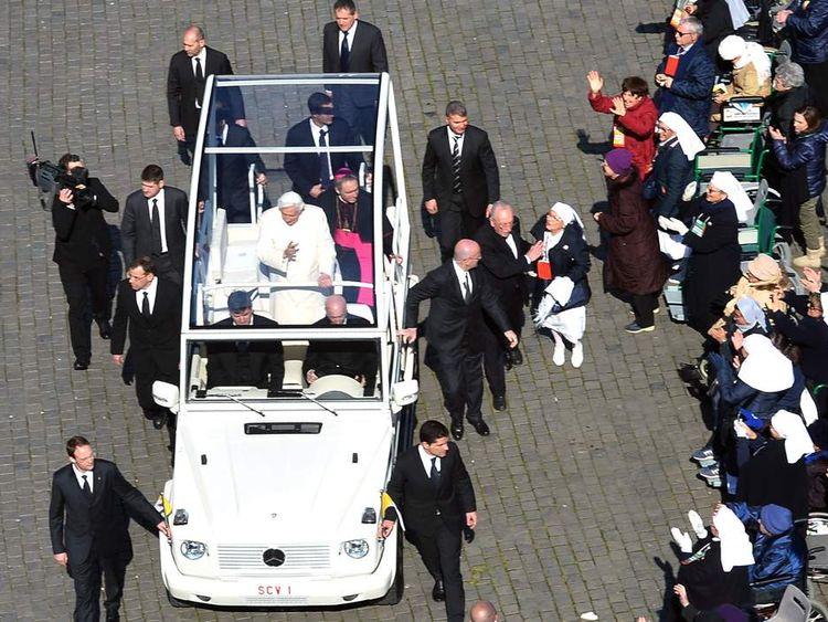Pope Benedict XVI's last general audience st peter's square