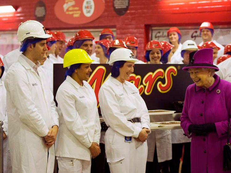Queen Elizabeth at the Mars chocolate factory
