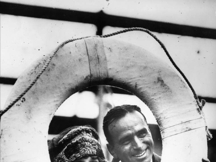 Mary Pickford and Douglas Fairbanks
