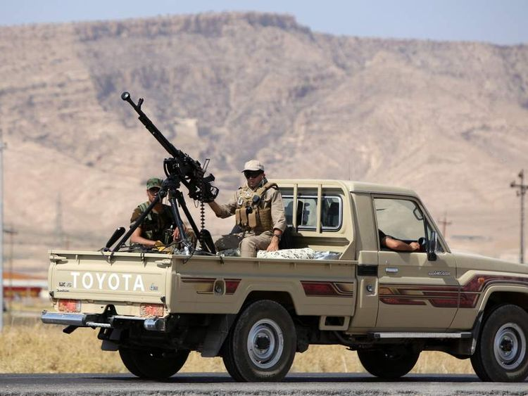 Peshmerga fighters on the way to the Mosul dam