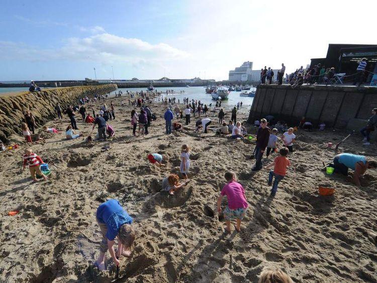 Folkestone Triennial 2014: Lookout