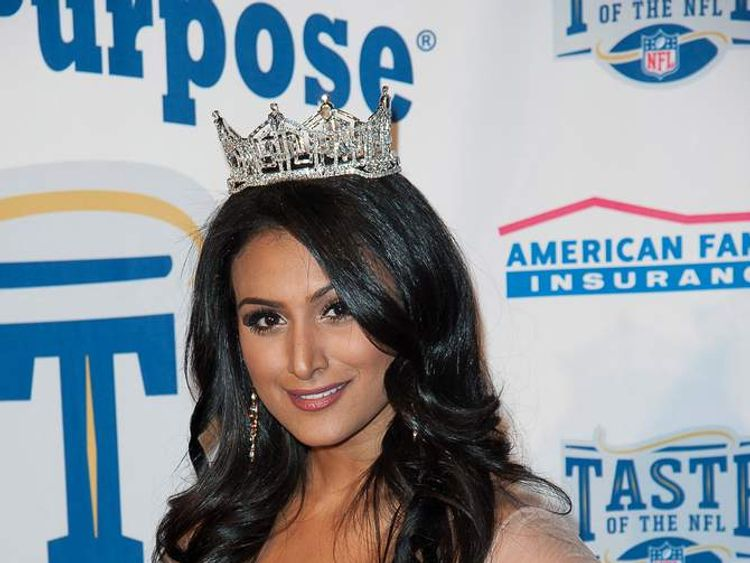 "Miss America Nina Davuluri at Taste Of The NFL ""Party With A Purpose"""