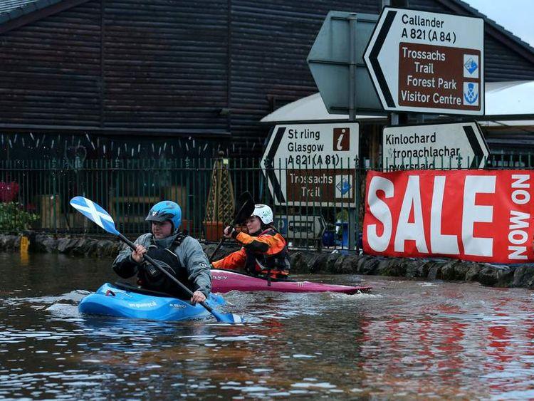 Cherly McFarlane and Grant Bruce canoe through Aberfoyle