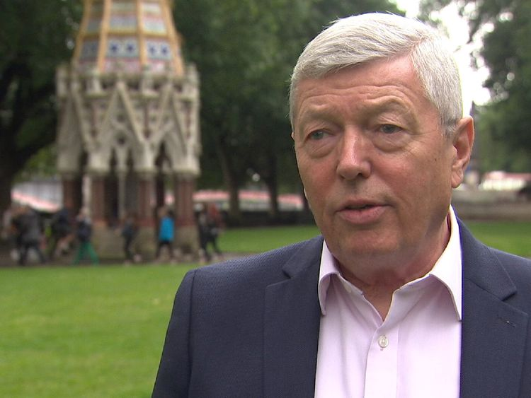 Former Labour Home Secretary Alan Johnson is complimentary about Theresa May