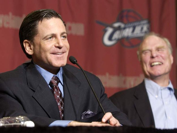 Cavaliers new owner Gilbert enjoys a laugh.
