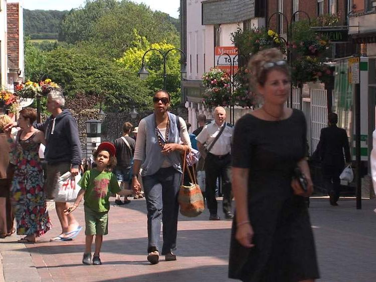 High streets boosted by warm weather