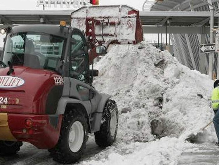 Snow at JFK airport