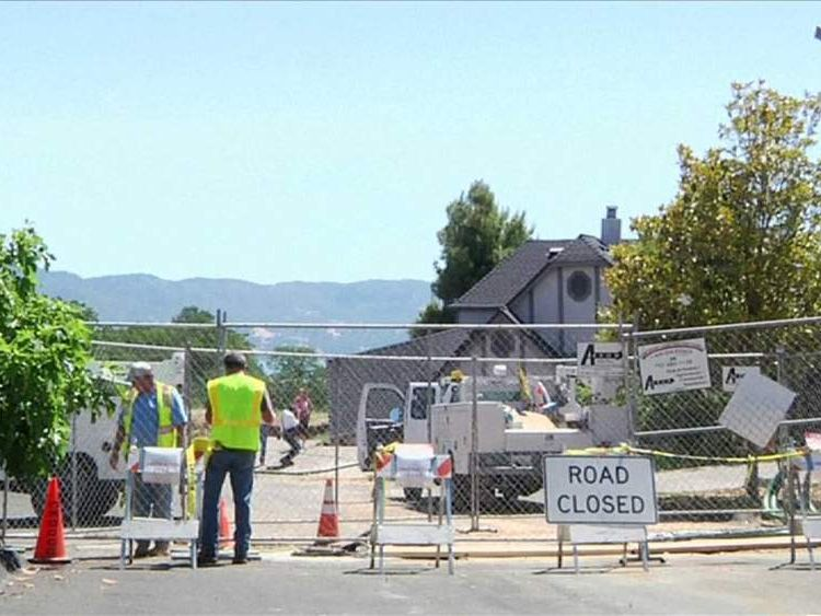 California sinkhole road closed