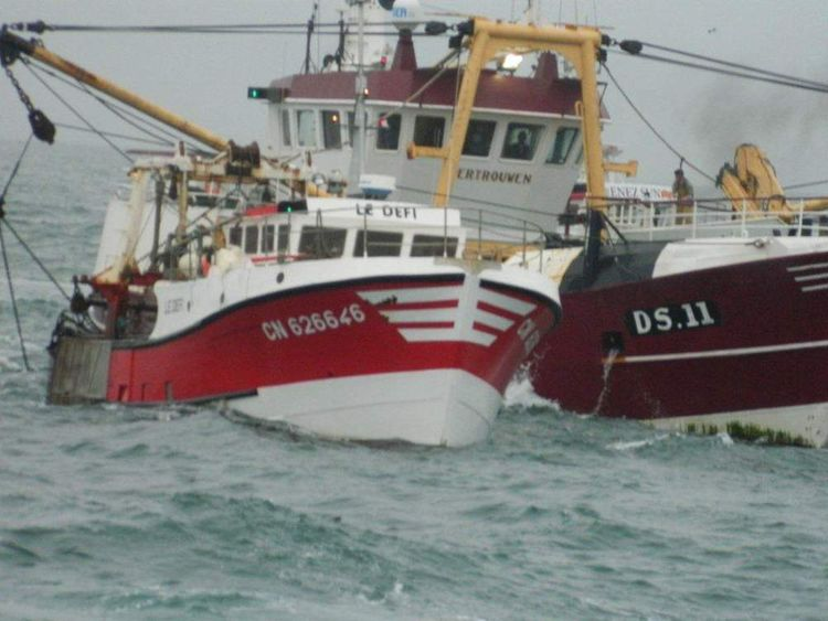 The French vessel Le Defi sails alongside the British-registered Vertrouwen.