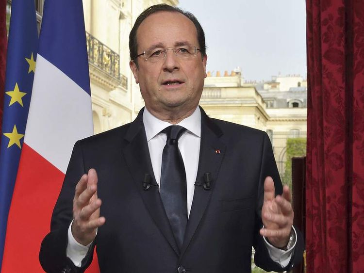 rancois Hollande replaced his entire cabinet after poor results