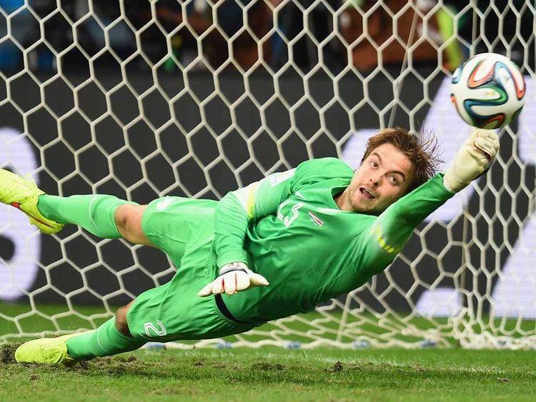 Tim Krul saves Michael Umana's penalty