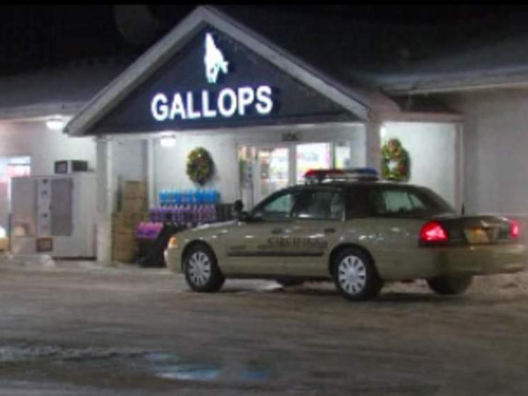 Gas station in northern Indiana where Elliot's female hostage escaped. Pic: WSBT-TV