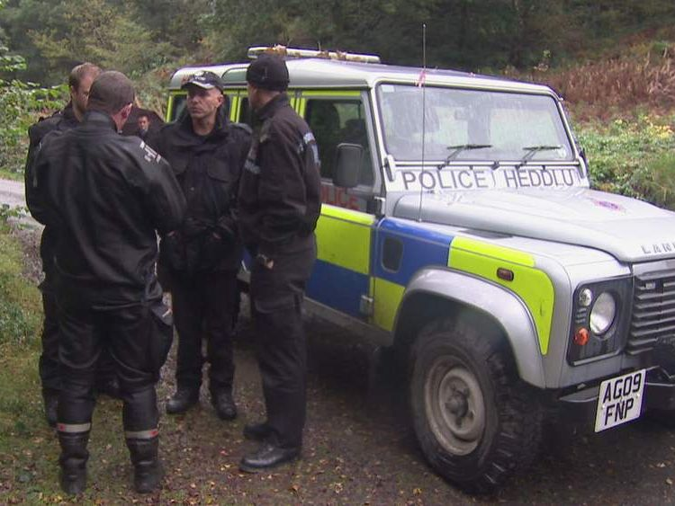 111012 Police search for April Jones